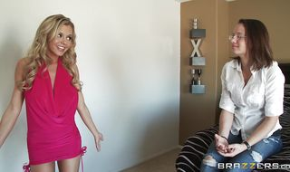 Gorgeous blonde Bree Olson is getting bum banged from the back instead of properly doing her daily routine