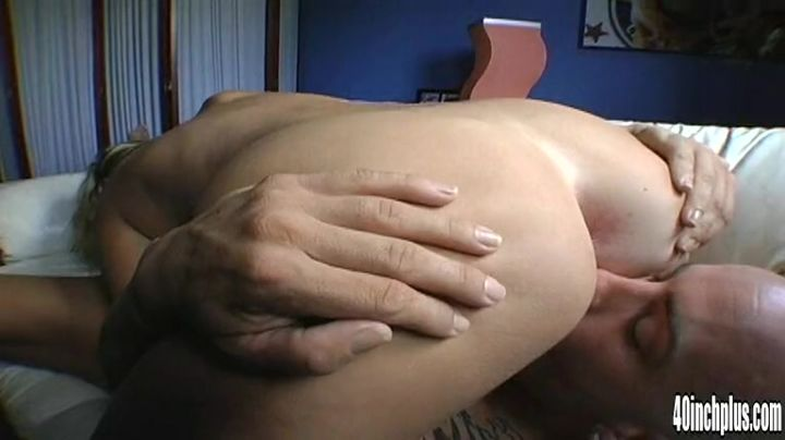Spicy Carly Parker is about to have anal sex