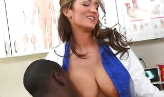 Muscular boyfriend viciously plows exquisite brunette Trina Michaels with curvy tits 's shaved young booty