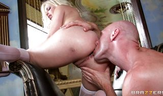 Shameless busty hottie Britney Amber gets face booty fucked before riding a meat rocket