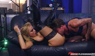 Hot-tempered Kayla Green has a slippery booty the mate is drilling down