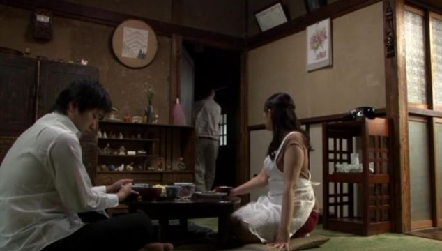 Attractive mature beauty Aya Kitagawa sucks and impales her round booty on a python