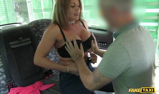 Topnotch woman Carly Gorly with lush bum is getting anal fucked good