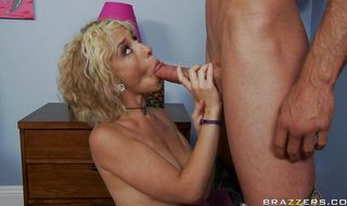 Luxurious blonde Proxy Paige can't say if she likes sucking lovestick more than anal sex or not