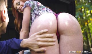 Mouthwatering redhead gf Ella Hughes's ass makes her ready for more