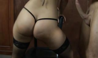 Topnotch blonde girl Alexis Texas knows her butt is better than a fake one
