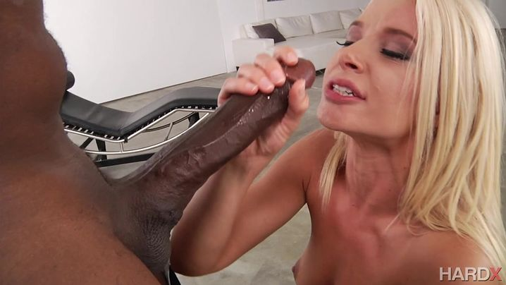 Dirty blonde girl Anikka Albrite's wet bum is ready to be butt fucked in close-up