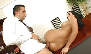 Luxurious busty woman Veronica Rayne enjoys having her delicious bum pleasured